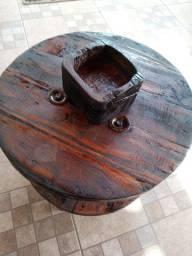 Mesa madeira carretel com suporte pra garrafa