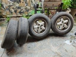 Jogo de rodas com pneu 13