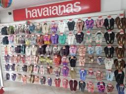 Vende-se ótimo ponto de uma loja de havaianas toda montada com ótimo preço