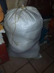 vendo saco de roupa fechado para brechó