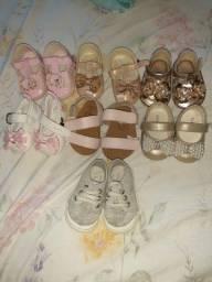 Sapatos e sandálias de bebê