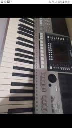 Teclado Yamaha psr s710