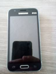 Celular Samsung mini Galaxy J1
