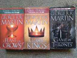 Lote 3 livros de George R. R. Martin (Game of thrones)
