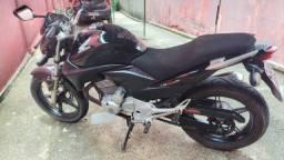 Vendo moto CB300 ano 2010