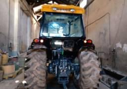 Trator Valtra Bm110 4x4<br><br>Parcelado