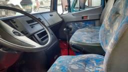 Caminhão Carroceria Mercedes-Benz 710