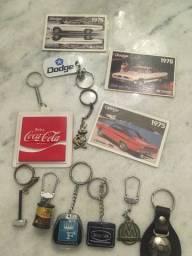 Coleção de chaveiros diversos e cards Dodge