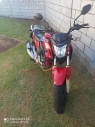 Moto twister top