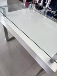Vendo Linda mesa expositora de vidro e metal