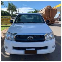 Toyota Hilux CS  Boiadeiro