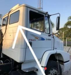 Vidro vigia fixo cabine Mercedez Benz