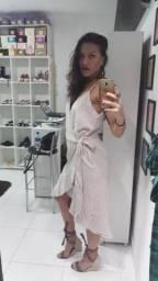 Vestido de linho, peça única, transpassada