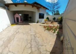 Casa com 3 dormitórios à venda, 138 m² por R$ 450.000 - Na 605 Sul