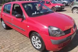 Clio 2005 vermelho