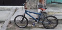 Bicicleta média.
