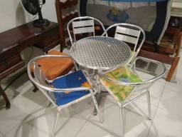 Mesa alumio 4 cadeiras nova