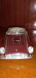 miniatura Ferrari GT 250. filme 007