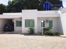 Vende uma casa em condomínio fechado localizado na Av Presidente Castelo Branco