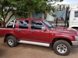 Hilux 4x4 Diesel 2001-2002 Ótimo estado