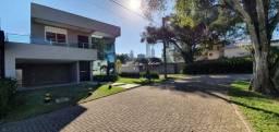 Linda casa condomínio fechado 3 suites 2 vagas Balneário Camboriú