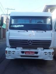 Vendo caminhão Mercedes 1418frontal