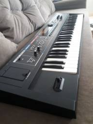 Teclado Synthesizer Juno Di<br><br>