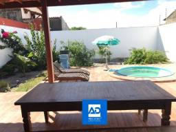 Casa compacta com excelente terreno, 300m²  - Lot. Encontro do Mar