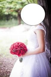 Vestido de noiva Muito Novo - Modelo Princesa ou Evasê