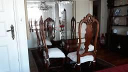 Mesa maravilhosa senhora de 50 anos(CEP 01408-000)