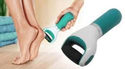 A lixa elétrica é ideal para remover calos, pele morta e rachaduras