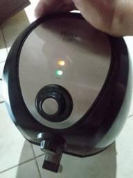 air fryer 4 litros Philco funcionando perfeitamente