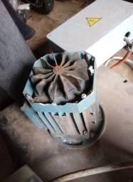 Motor elétrico carregador bateria