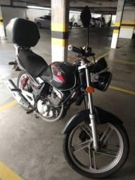 Moto Suzuky GSR 150 - preta 2014/15
