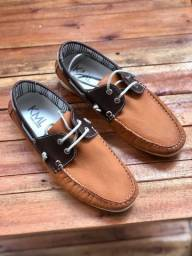 Sapato Mocassim em Couro N° 38