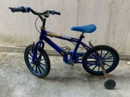Bicicleta infantil para até 6 anos