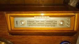 Linda rádio vitrola