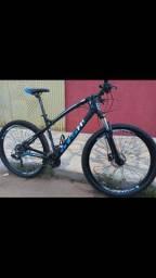 Vende-se bike aro 29 quadro 19 / freio óleo / 9v k7 11/40 bike semi nova !! *