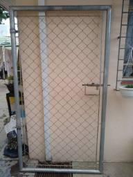 Portões de aço com tela