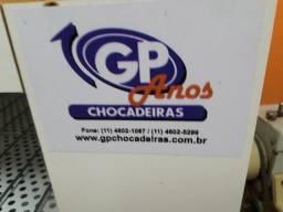 Chocadeira GP Automática 50 ovos com ovoscópio