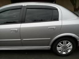Astra Sedan CD 2.0 2002 Vendo ou troco por moto mais volta - 2002
