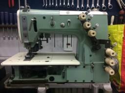 Máquina fechadeira plana de três agulhas