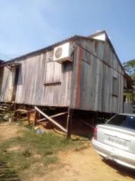 Vende-se madeira desta casa *