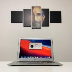 """Macbook Air 13"""" - Processador core i5 - 8GB de Ram - SSD120GB - 2015"""
