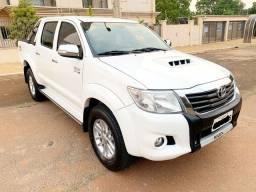 Toyota Hilux 2014 SRV Top 3.0 Diesel 4x4 Zerada / tro.co e financio