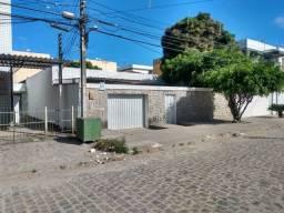 Casa em Jardim Atlântico, com 205metros quadrados, rua calçada