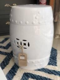 Seat Garden/ Banco de cerâmica branco novo - troca de showroom