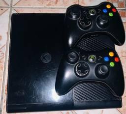 Xbox 360 E console 1538 Bloqueado
