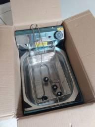 Vendo fritadeira elétrica nova na caixa
