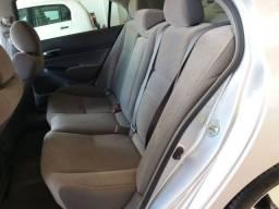 Honda Civic lxl 1.8 16v flex 4p prata 2011